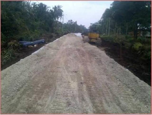 Rekanan RAPP Bangun Jalan Poros Tanjung Padang   2.470 Meter