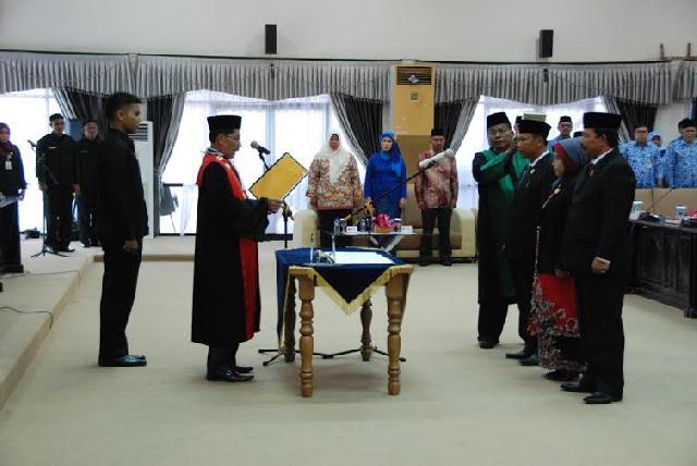 Pimpinan DPRD Inhu Dilantik