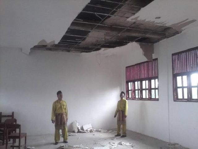 Kerusakan Gedung SMP Babusalam Rohil Bahayakan Guru dan Siswa