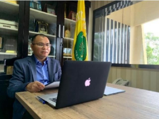 Rektor Unilak Lantik Direktur Pascasarjana dan Pejabat Unilak Secara Virtual