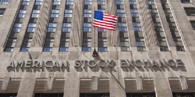 Harga Minyak dan Material Turun, Wall Street Akhirnya Terkoreksi