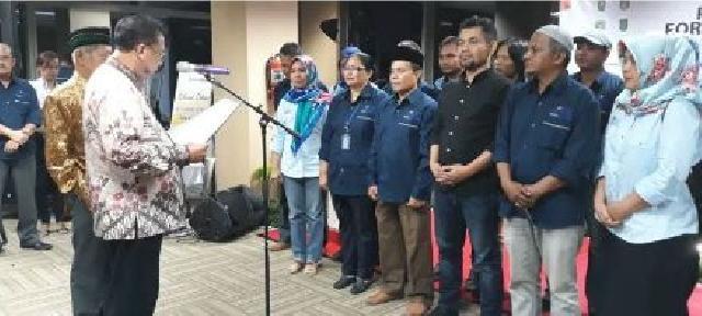 Tokoh Pers Riau Rida K Liamsi dan Muslim Kawi Kukuhkan Forum Pemred Riau