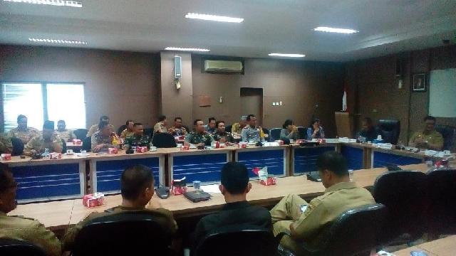 Dandim 0313/Kampar Ikuti Rapat Persiapan Pemilihan Bupati Dan Wabup Kampar Tahun 2017