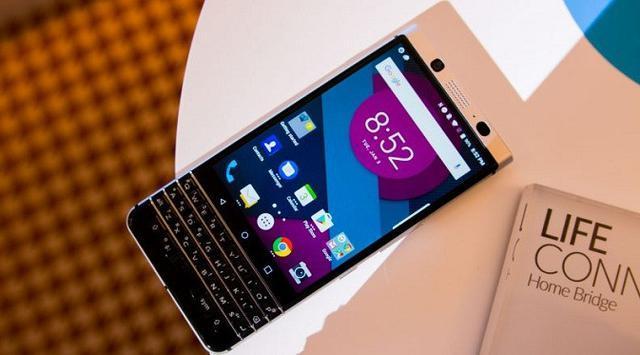 BlackBerry Perlihatkan Debut Smartphone Terbaru Mercury DTEK70
