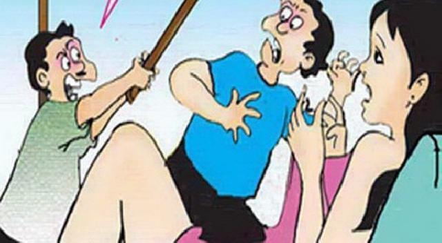 Cemburu, Suami Bacok Pria Yang Chatting Mesra Istrinya