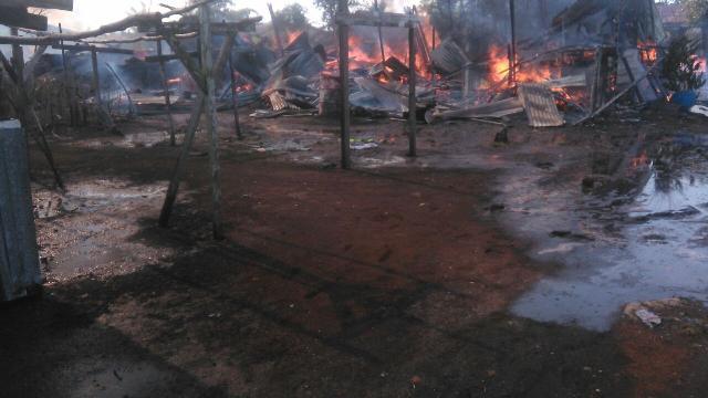 Kebakaran, 6 Unit Rumah Kopel di PT THIP, Pelangiran Ludes Terbakar