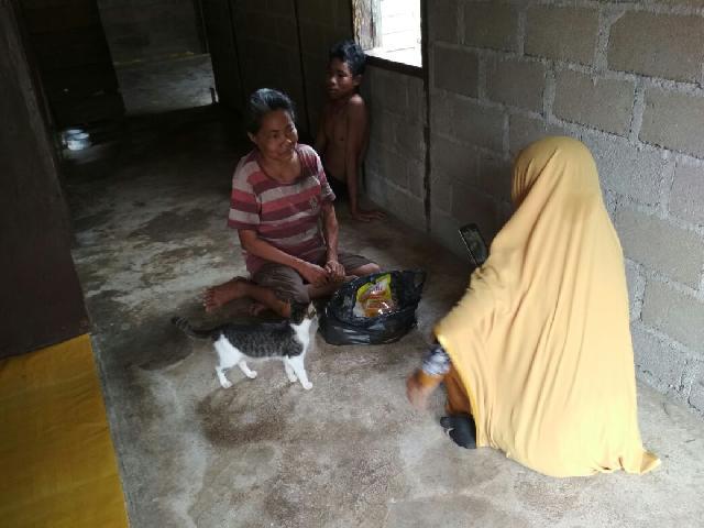 Majelis Pengajian Tahsin Akhwat, Bantu Sembako Untuk Orang Miskin