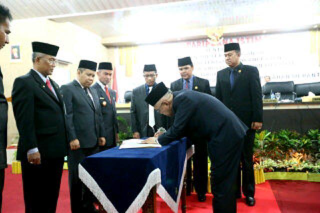 Pj Bupati H Edy Kusdarwanto dan H Irwan Nasir Lakukan Serah Terima Jabatan