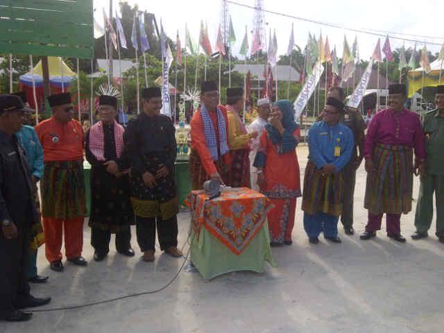 MTQ Ke-2 Tingkat Sekolah/Madrasah Sekecamatan Tanah Putih, Resmi Dibuka Bupati Suyatno