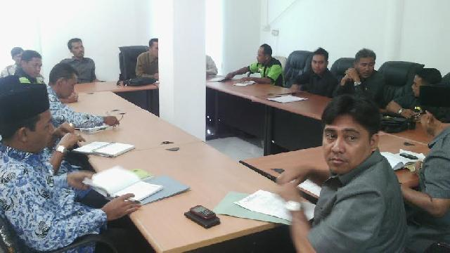 Karyawan PT RBH Mengadu Ke DPRD Inhu