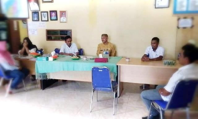Lakukan Monitoring, Camat Rengatbarat Kunjungi Dua Desa