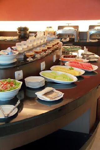 Makan Siang Dimana? Yuk ke Grand Central Hotel Pekanbaru ada Promo Loh...