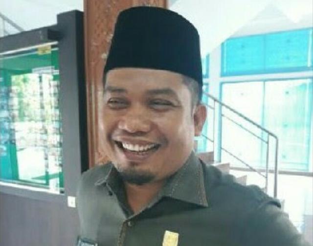 Wakil 1 DPRD Kuansing Sardiyono Hadiri Syukuran Panglimo Olang Putie dan Perpisahan KKN