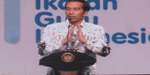 Presiden Jokowi Minta Guru Ajarkan Siswa Etika dan Adab Sosial