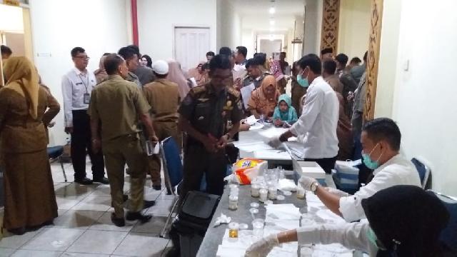 1600 ASN Dilingkungan Pemkab Pelalawan Jalani Tes Urine