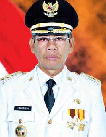 Hadiri Pelantikan Walikota Pekanbaru dan Bupati Kampar, Bupati Kuansing Ucapkan Selamat