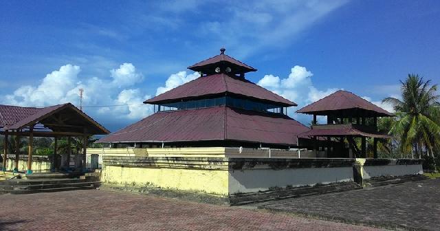Masjid Tuha Indrapuri Menjadi Salah Satu Destinasi Wisata Religi