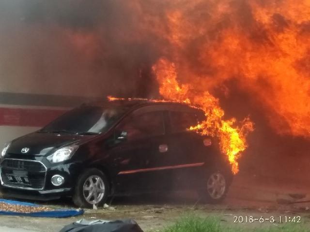 Kebakaran, 8 Rumah dan 1 Unit Mobil di Tembilahan Ludes Terbakar