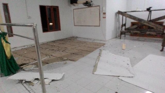 Plafon Mushala di Desa Rawajadi Runtuh, Nyaris Memakan Korban