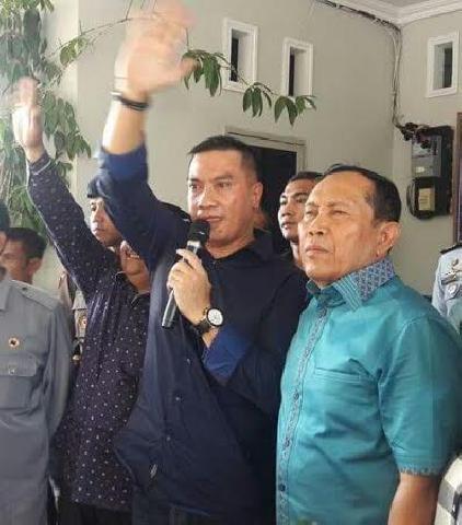 Terima SK Pengaktifan Bupati Rohul dari Wagubri, Suparman Akan Pertajam Visi Misinya