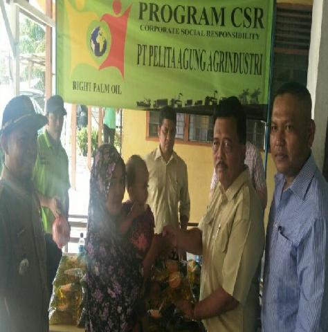 PKS PT PAA Simpang Bangko Adakan Pasar Murah