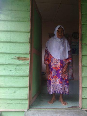 Selama 13 Tahun Hidup Sendiri, Nenek Maria Tidak Dapat Bantuan Dari Pemerintah