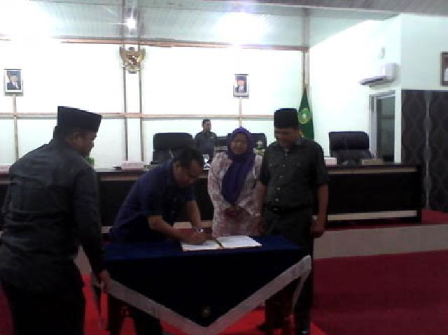 Agenda Paripurna Terakhir Bagi Institusi DPRD Kabupaten Kepulauan Meranti Priode 2009-2014