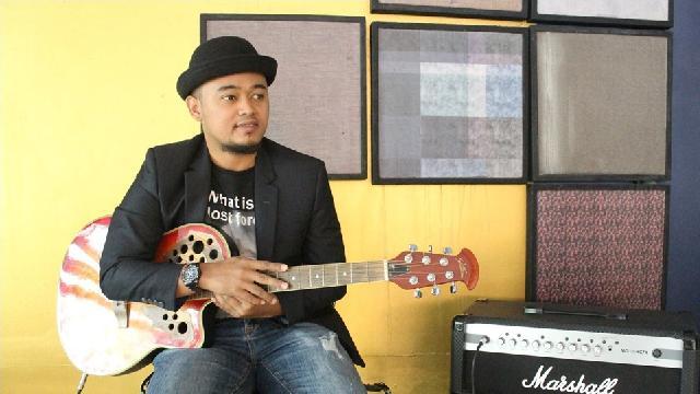 Penyanyi Selat Panjang Riau Rinald Bagas, Rilis Lagu Izinkan Aku Menjadi Imammu