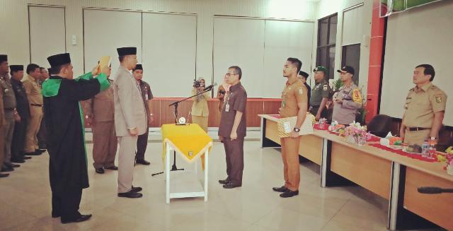 Bupati Kuansing Lantik M Refendi Zukman Sebagai Kadisdukcapil