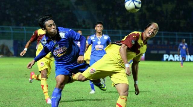 Arema Cronus Ditahan Imbang Sriwijaya FC 1-1