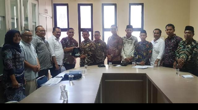 Komisi I DPRD Meranti Bersama Disdukcapil Melaksanakan Kunjungan Kerja ke Disdukcapil Batam