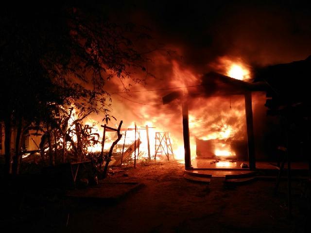 Kebakaran di Tembilahan , 3 Unit Rumah Ludes Jadi Abu