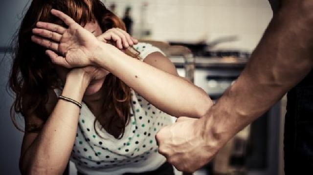 Istri Nolak Kasih Jatah, Bogem Mentah Bertubi-Tubi Mendarat di Wajah