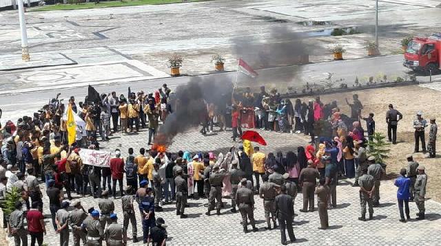 Aksi Demo Mahasiswa, Pemkab Inhil Beri Klarifikasi Anjloknya Harga Kelapa