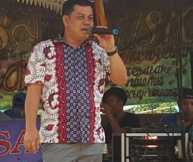Syahril Topan Bacakan Pernyataan Sikap 8 Tuntutan Buruh Rohul Kepada Pemerintah