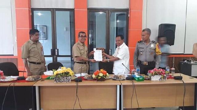 Bupati Kuansing Terima SK Penetapan Tuan Rumah Porprov