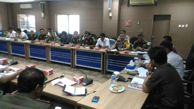 Kasdim 0303/Kampar Hadiri Rapat Sosialisasi Saber Pungli Di Kantor Bupati