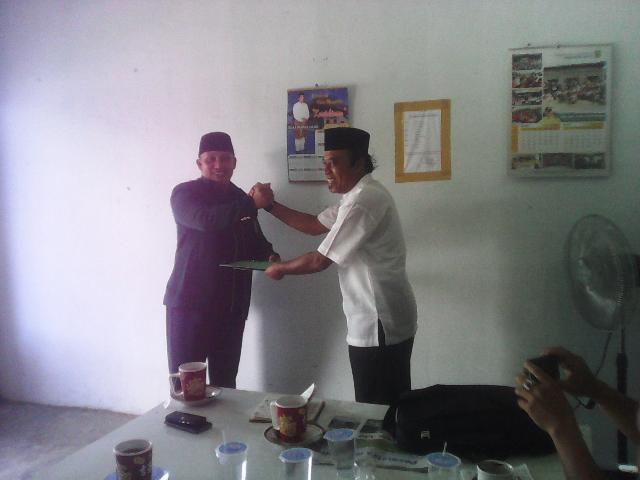 Drs H R Iskandar Rab MM Kembalikan Formulir ke DPC PBB Inhu