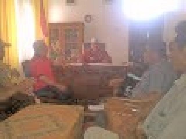 Camat LBJ Inhu Berganti, Perwakilan Kelompok Tani Laporkan PT RPI