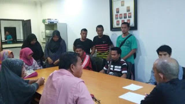 Diberhentikan Sepihak, 23 Guru SMAN I Bangko Mengadu ke DPRD