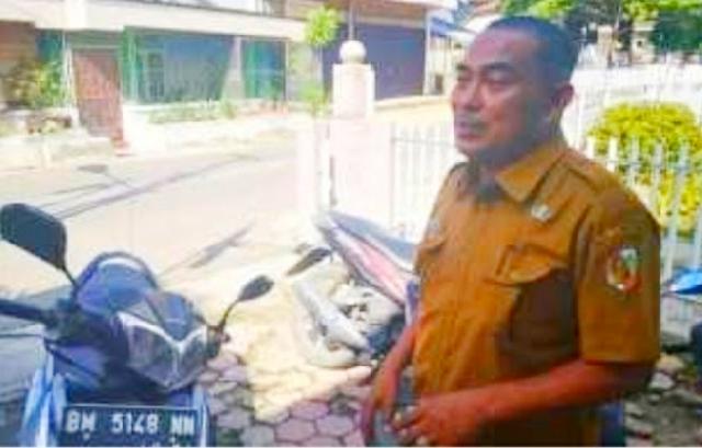 Copot Jabatan Ketua RW, Tindakan Lurah Padang Terubuk Salah Kaprah dan Kebablasan