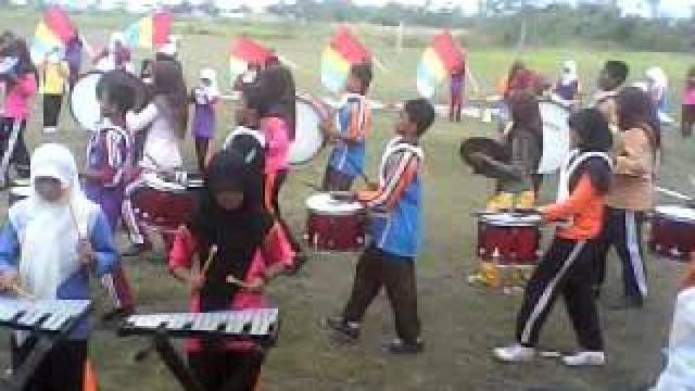 Penampilan Drumband SDN 003 Tambun Pelalawan Pukau Penonton