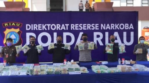 Tangkapan dari Bulan Juni 2021, Polda Riau Musnahkan 145 Kg Sabu