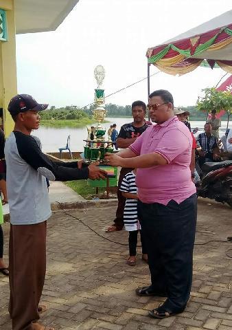 Lomba Pacu Sampan Danau Meduyan Kota Lama Budaya Melayu Inhu