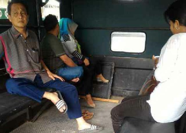 Dikabarkan Okum Kades Terjaring Razia Saat Asyik Mesum di kamar Hotel di Tembilahan