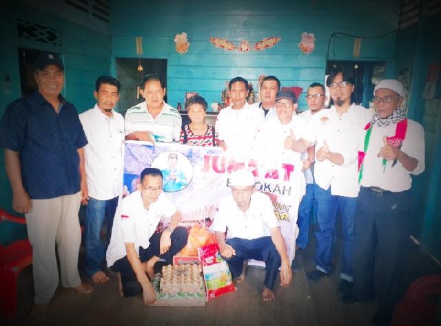 Acai Warga Keturunan Tionghua Dapat Kunjungan Tim Jum'at Barokah  Sahabat H Asmar