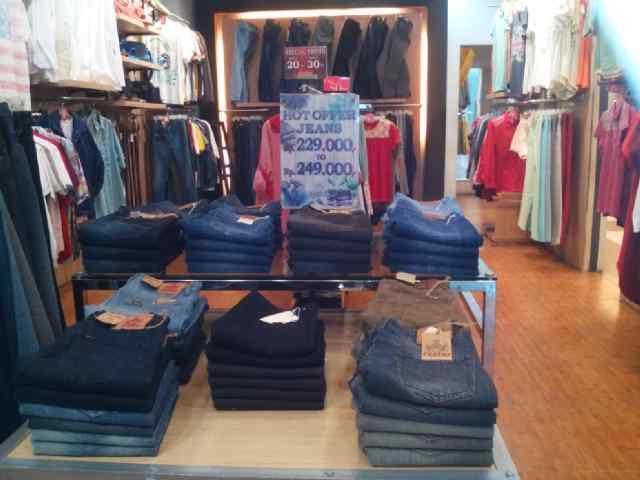 Dapatkan, Special Price Khusus Jeans di Faktor Mal SKA Pekanbaru
