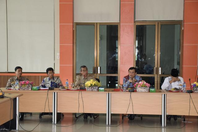 Bupati dan Wabup Kuansing Jelaskan Permasalahan Pemerintahan serta Pembangunan di Depan Pemuka Adat