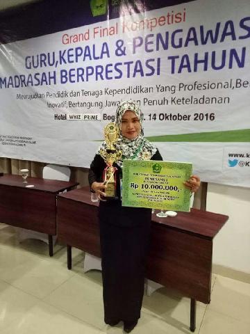 Kartika Nurwita asal Inhu Juara Ajang Kompetisi Guru Tingkat Nasional