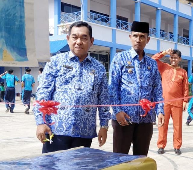Drs H Nuriman Khair MH Kadisdikbud Meranti Buka Acara Bulan Bahasa di Sekolah Kalam  Kudus